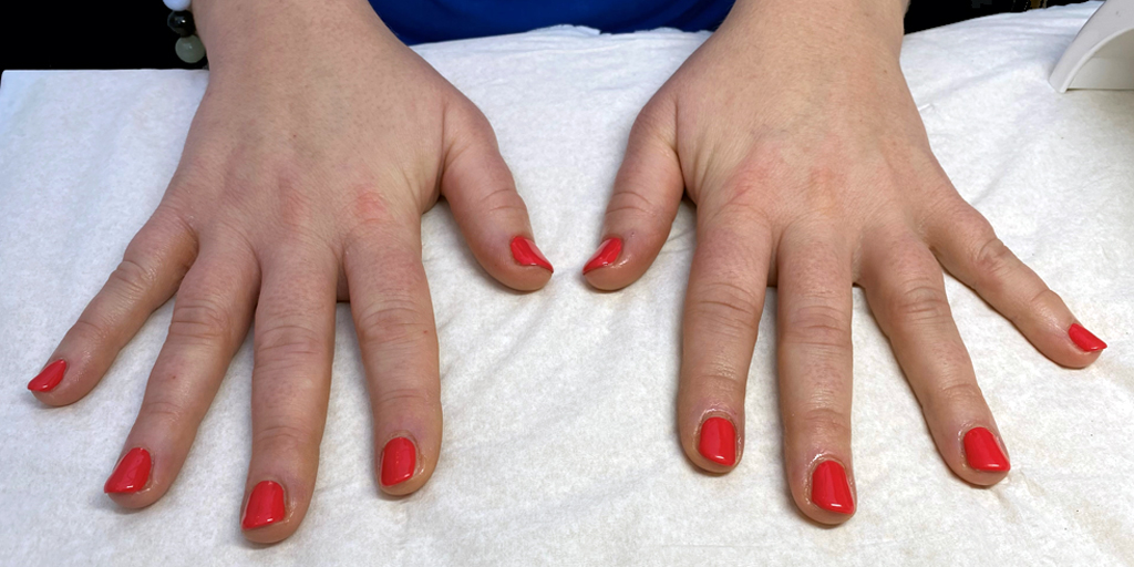 Andrea Brajer hands